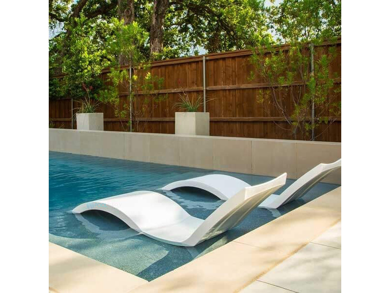Ledge Lounger In Pool Chaise