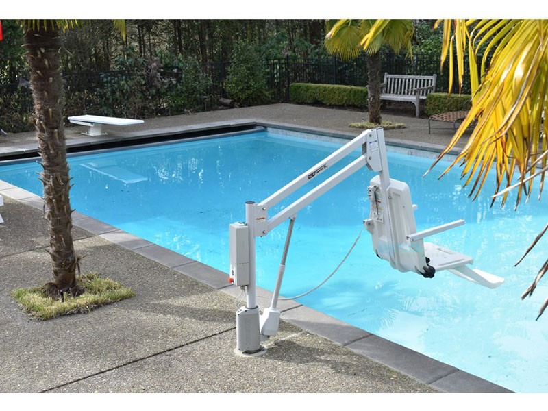 SR Smith aXs2 ADA Compliant Pool Lift with Locking Anchor | 310-0000