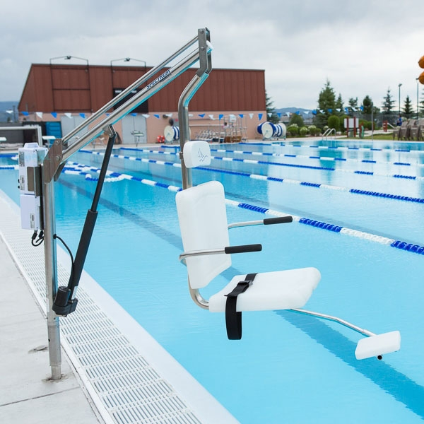 Spectrum aquatics aspen pool lift without anchor 26010 for Hydraulic chair lift for swimming pool