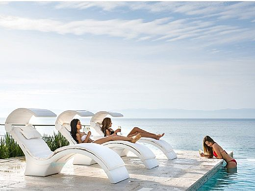 Ledge Lounger Signature Collection Chaise Cushion with Pillow | Standard Color White | LL-SG-C-CP-STD-4634