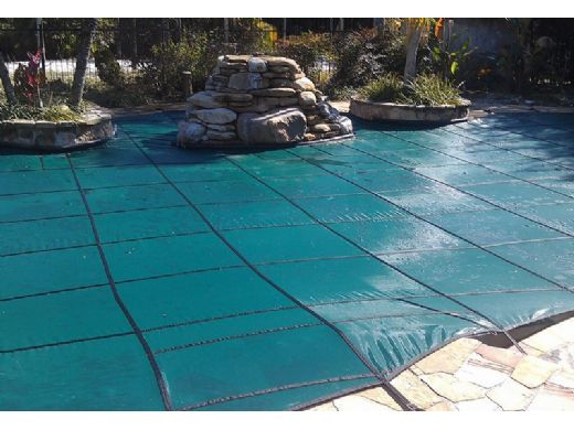 GLI 12-Year Secur-A-Pool Mesh Safety Cover   Rectangle 12' x 24' Green   4' x 8' Center End Step   201224RECES48SAPGRN